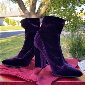 Tamara Mellon (Designer) Royal Purple Velour Pumps